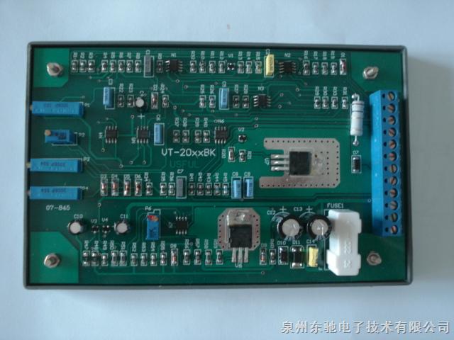 电液比例控制器、比例放大板、力士乐放大板、阿托斯放大板。配套华德、力士乐、油研。 一、VT2000系列包括VT2000BS40、VT2000BS40G、VT2010BS40、VT2013BS40、VT2000BK40、VT2010BK40、VT2013BK40共七个型号。 二、VT3000系列包括VT3000BS30、VT3006BS30、VT3013BS30、VT3014BS30、VT3017BS30、VT3018BS30、VT3000BK30、VT3000BKG30(12V)、VT3010KJ共九个型