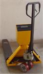 YCS液压车带称规格,3T/1kg液压车带秤多少钱?