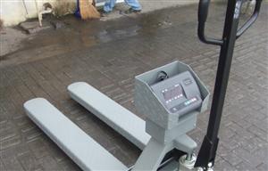 2吨手动液压叉车秤,防水电子叉车秤